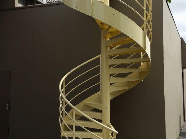 Escalier hélicoïdal en métal