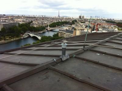 Point d'ancrage pour ligne de vie à Paris