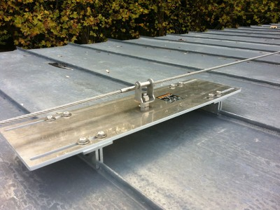 Dispositif d'ancrage pour toiture