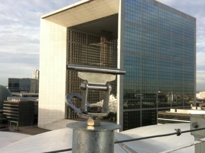 Point d'ancrage pour sécurisation d'une toiture à Paris (La Défense)