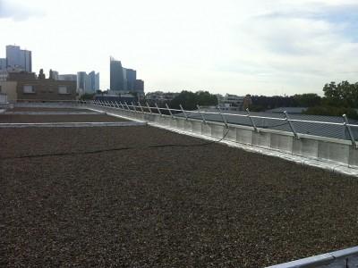 Garde-corps rabattables sur toiture-terrasse