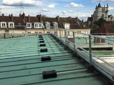 Garde-corps sur toiture