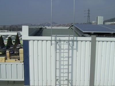 Échelle d'accès pour toiture